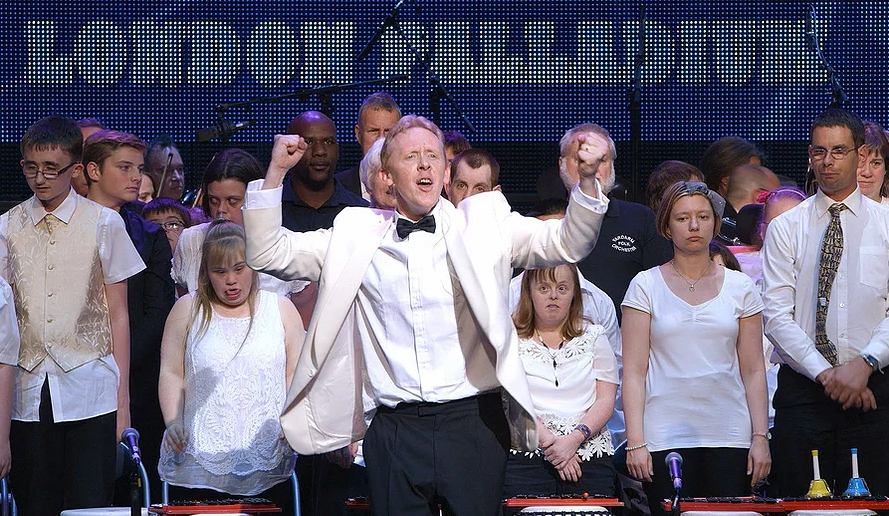 David hosts the London Palladium